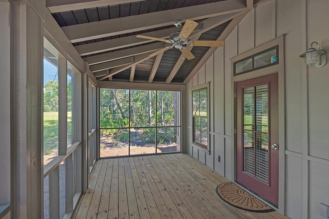 3Bed-outside-porch2